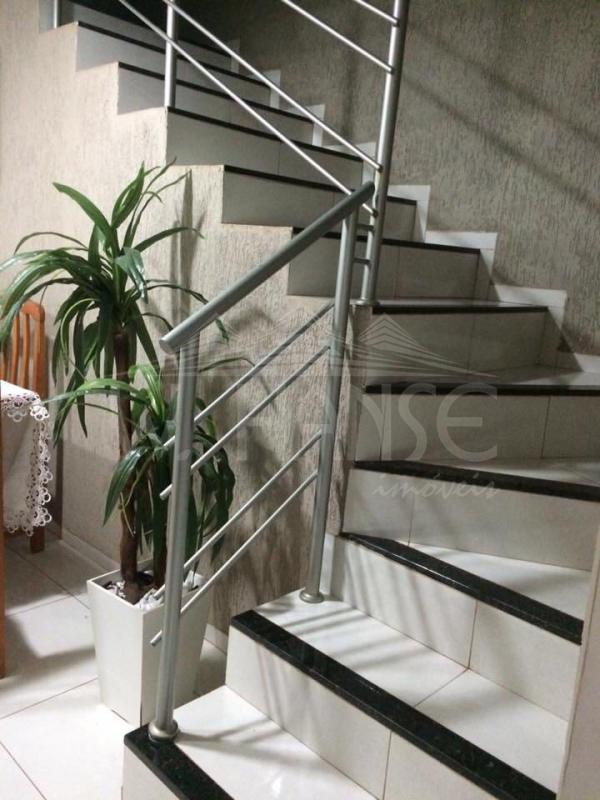 Escada 2