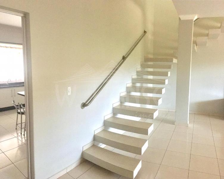 Escada para piso superior