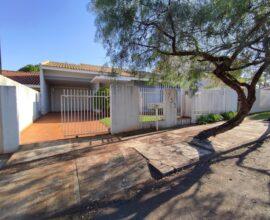 Locação - Residência - Rua Interventor Manoel Ribas 733 - Centro